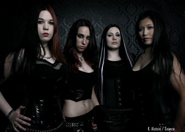 interview with frantic amber all female heavy and low tune kick ass metal from sweden metal. Black Bedroom Furniture Sets. Home Design Ideas