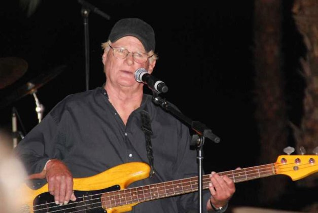 iron-butterfly-bassist-lee-dorman