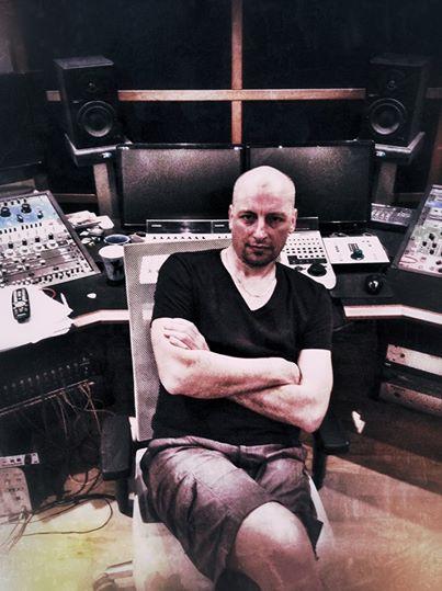 Jim AvivA in Studio