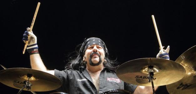 hellyeah-drummer-vinnie-paul