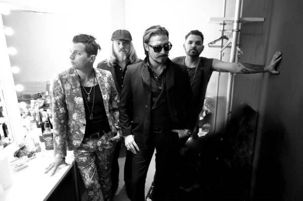 RivalSons-2015-credit-RossHalfin