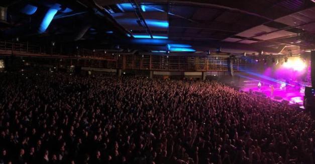 Five Finger Death Punch show pic