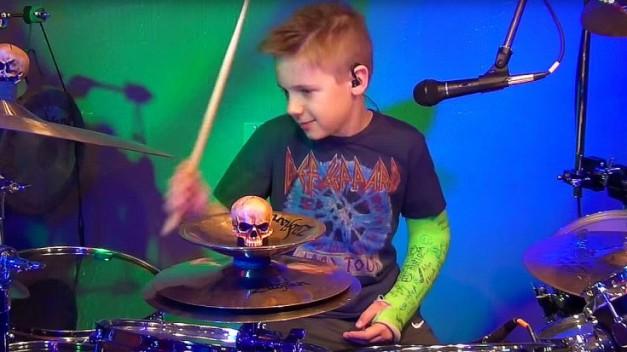 Avery Drummer Def Leppard