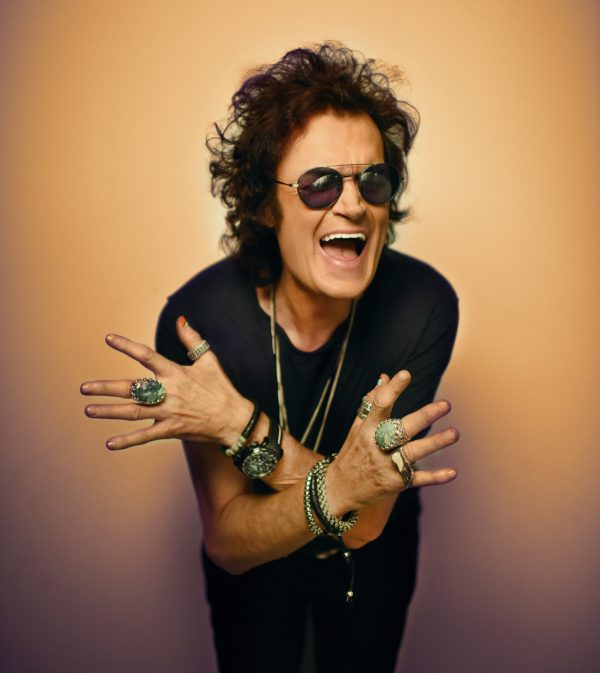 glenn-hughes-by-georgina-cates-3_2_smaller
