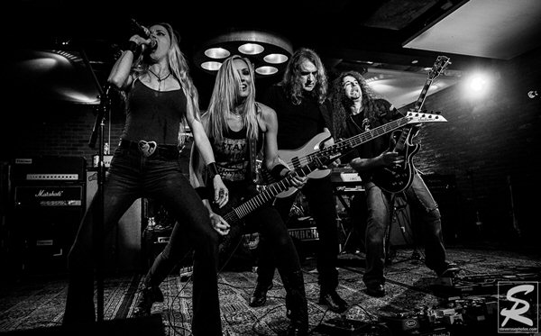david-ellefson-nita-strauss-tony-macalpine-jill-janus-performing-iron-maidens-the-number-of-the-beast-2