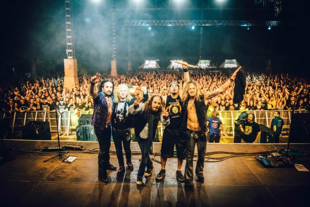 the-dead-daisies-group-live-2016-lores-oh-tdd-04-07-16-0336-5