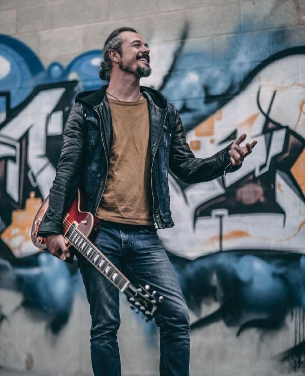 isaacEpica-guitar-courses