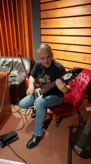 Vader-Peter-in-studio