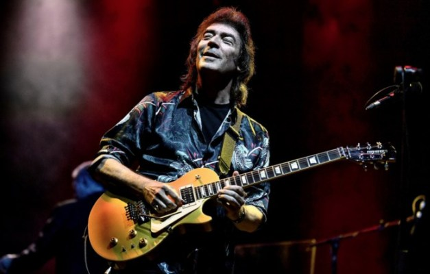 SteveHackett-Photo-by-LeeMillward