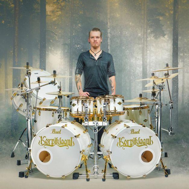 korpiklaani-new-drummer-samuli-mikkonen
